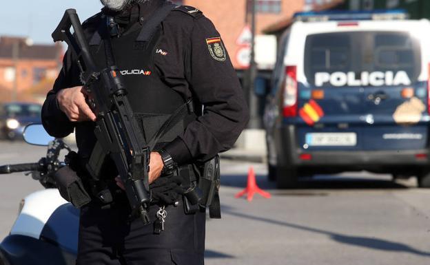 Policia nacional oviedo kn3B U4029391616841E 624x385@El Comercio