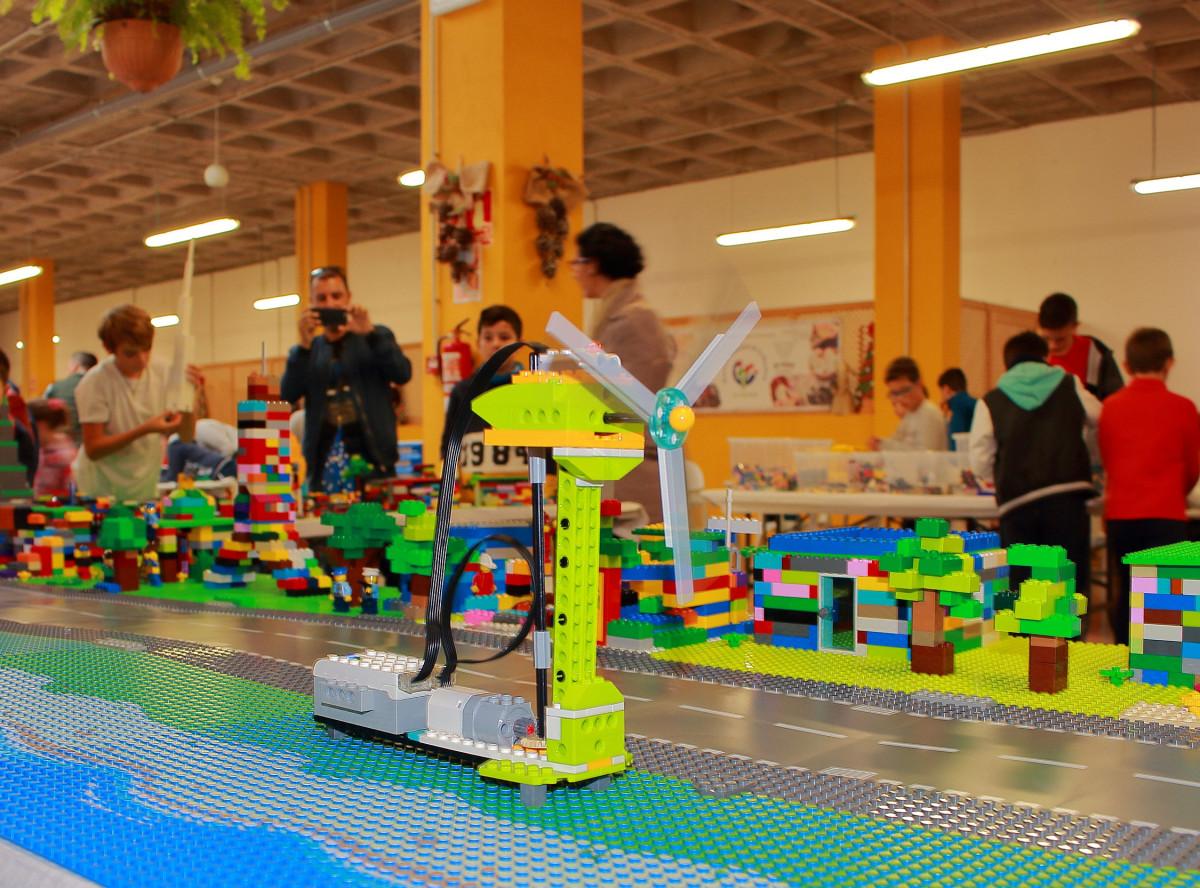 Talleres robotica ciudad inteligente lego 1