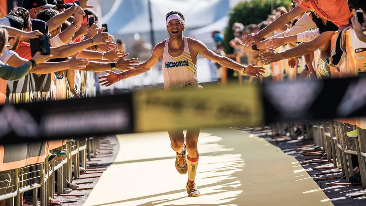Marco De Gasperi entrando en la meta de Limone Extreme como vencedor en 2017 Foto de Ian Corless