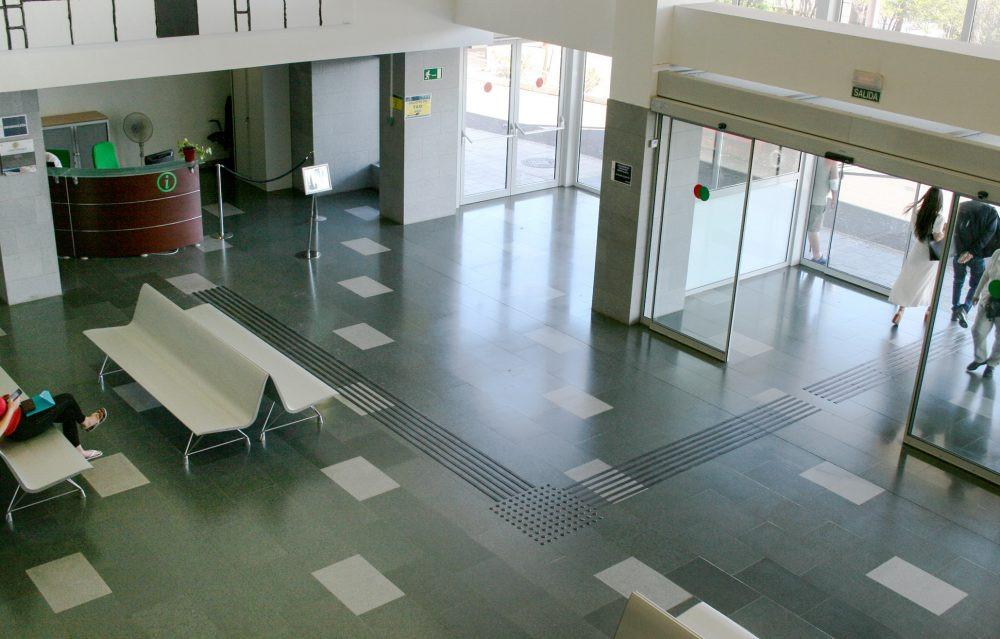 FOTO 2 Detalle banda de encaminamiento Hospital de La Candelaria e1564488743277