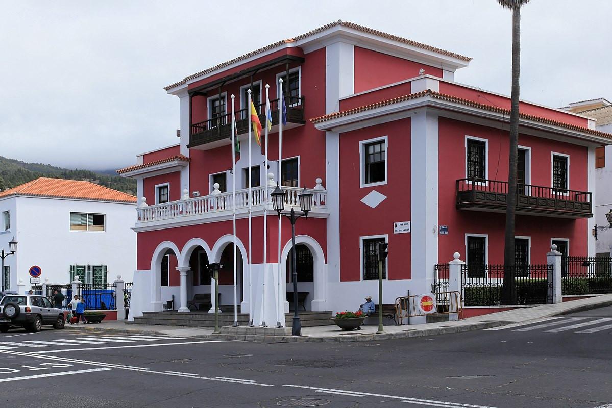1200px La Palma El Paso Avenida Islas Canarias Ayuntamiento 01 ies1